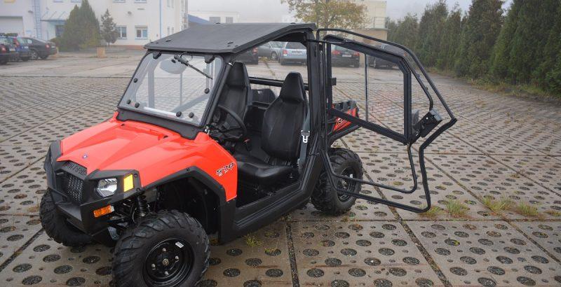 POLARIS Razer 570 Cab 3