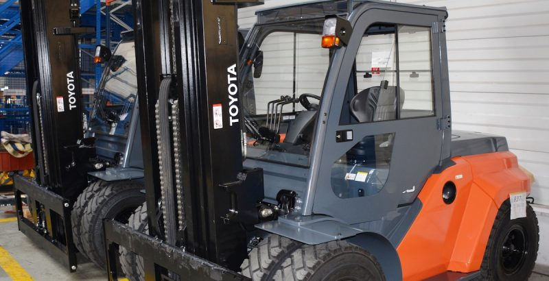 DFK Cab kit for Toyota forklifts